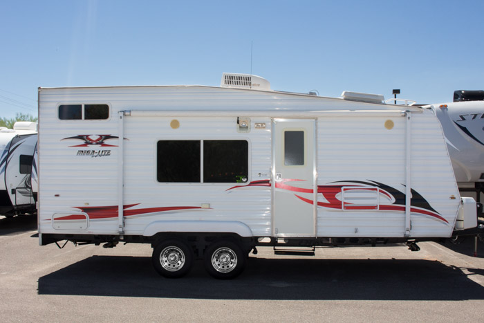 2007 Mega Lite 21 Bt By Extreme Toy Hauler