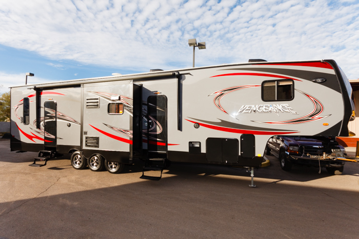 2014 Vengeance 377 V By Forest River 2nd 1 2 Bath In Garage