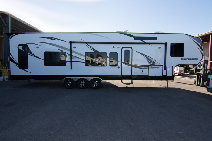2015 Genesis Supreme Toy Hauler 40 Cr By Genesis Supreme Rv
