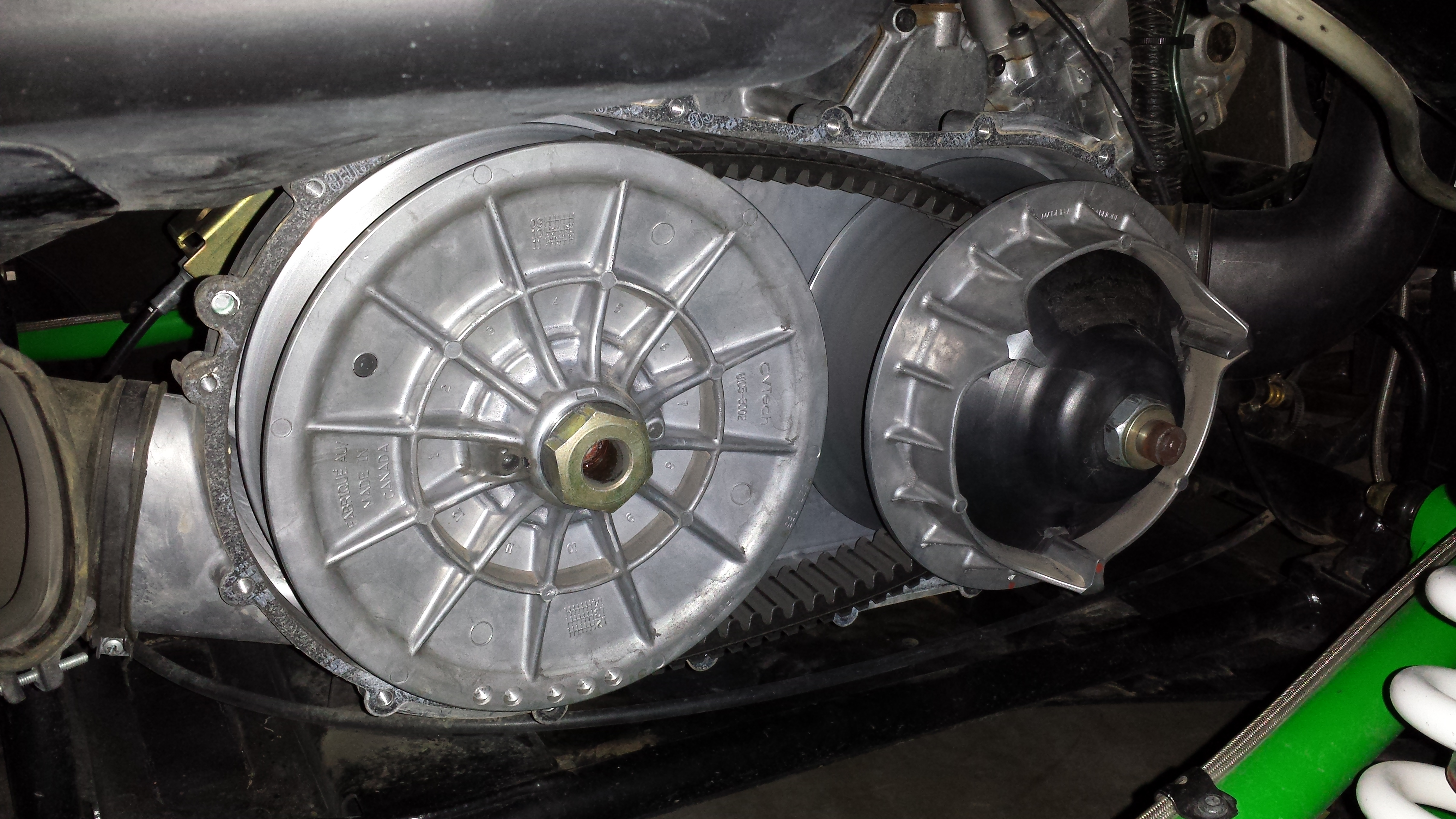 Question for the experts on wet clutch Nut removal left or