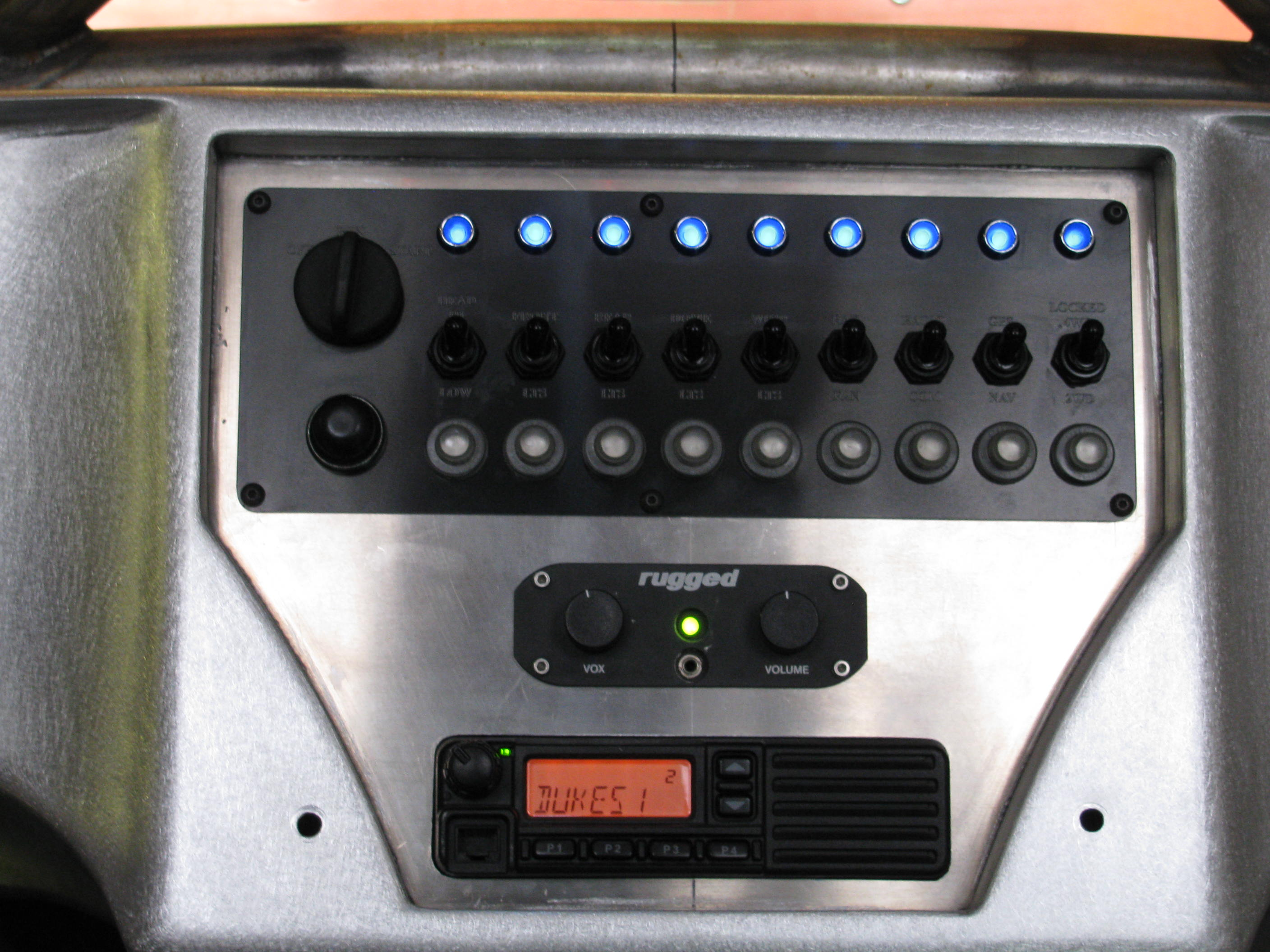 replaced x lock switch daystar switches this image has been resized click this bar to view the full image the original image is sized 713x345